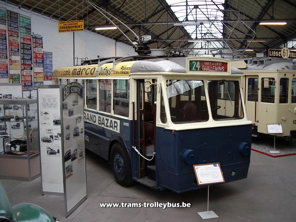 trolleybus de li u00e8ge  mat u00e9riel roulant  le t32