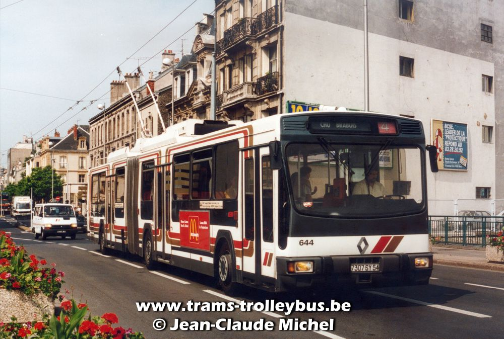 transport mobilit urbaine afficher le sujet du trolleybus sur les trois. Black Bedroom Furniture Sets. Home Design Ideas