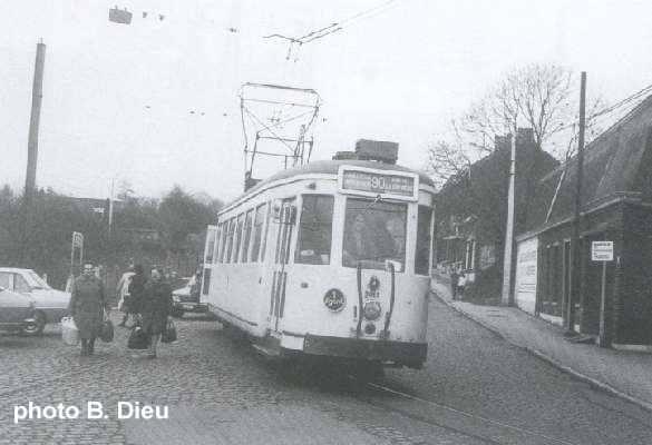 Ligne 90 arr t ressaix station for Garage du tram villeurbanne